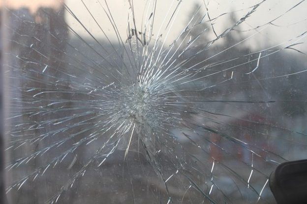 cracked windshield repair Fresno